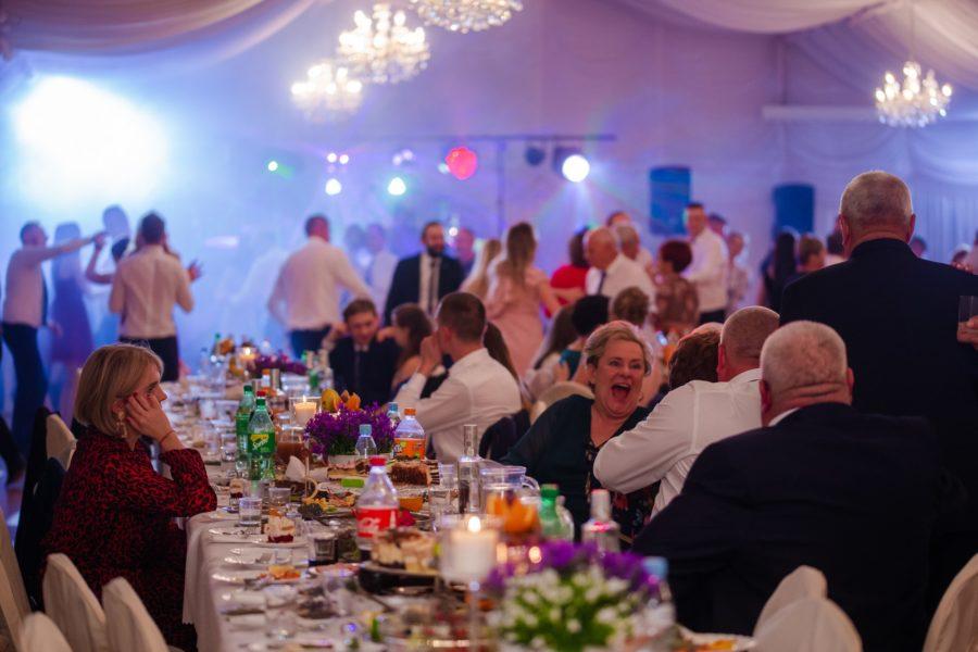 Klasyczny ślub i tradycyjne wesele – reportaż fotograficzny